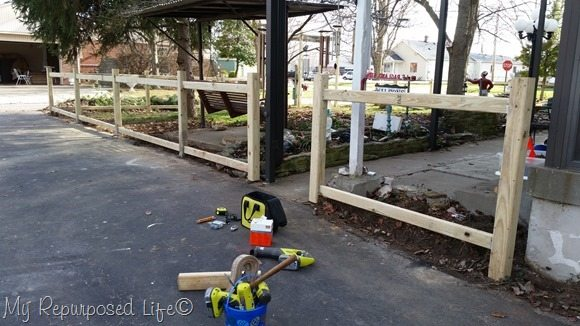 picket-fence-rails-driveway