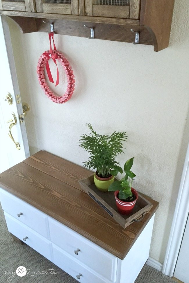 How to turn a dresser into a bench. Step by step directions to make this a great weekend project #MyLove2Create #repurposed #furniture #dresser #bench via @repurposedlife