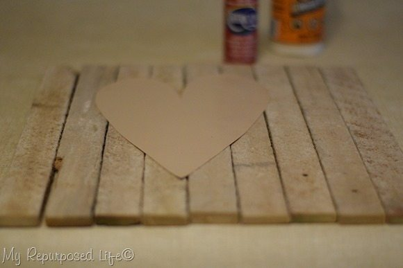 lath-valentine-heart-decor