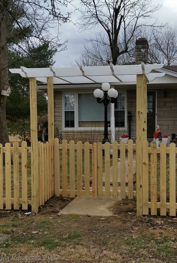 Gates And Arbor Diy Picket Fence My Repurposed Life