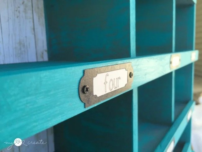 faux labels on cubby organizer