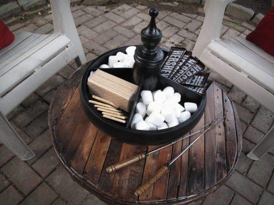 Wooden Divided Pedestal Server-010