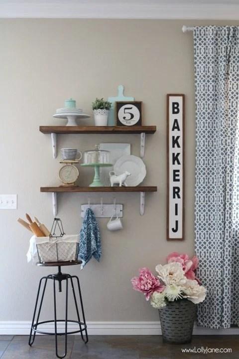 Farmhouse-Chic-Dining-Room-Shelves-