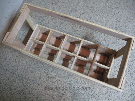 repurpose-bed-slats-into-floral-centerpiece-or-wine-carrier