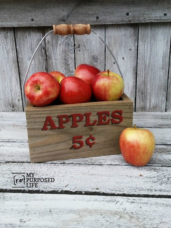 apple crate made from reclaimed wood and five gallon bucket handle MyRepurposedLife.com