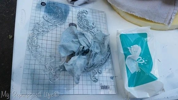 clean up decor ink and stamps with baby wipes