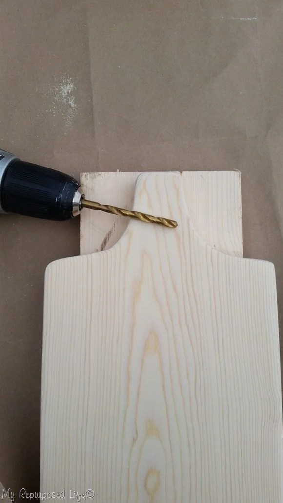 prevent tear out while drilling holes in wood