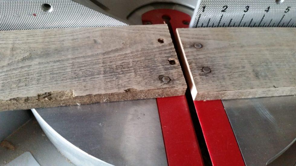 cut pallet board on miter saw