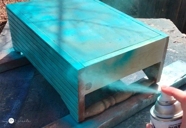 spray paint crate