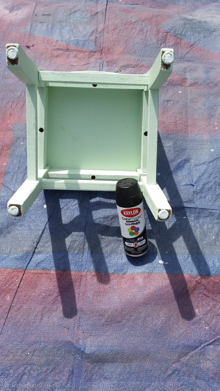 paint kids chair with spray paint