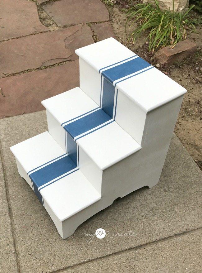 top view grain stripe step stool