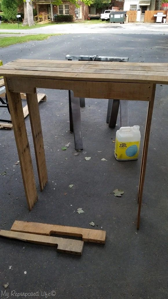 designing easy one pallet project potting table