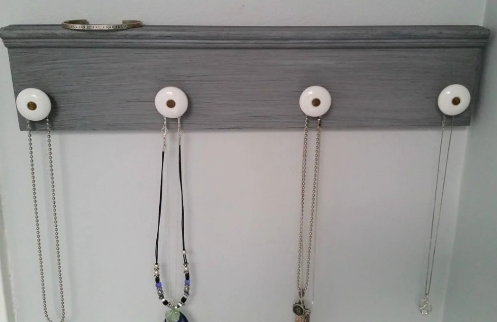 jewelry organizer necklace holder with knobs MyRepurposedLife.com