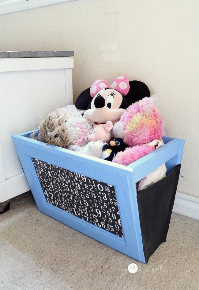 stuffed animal holder