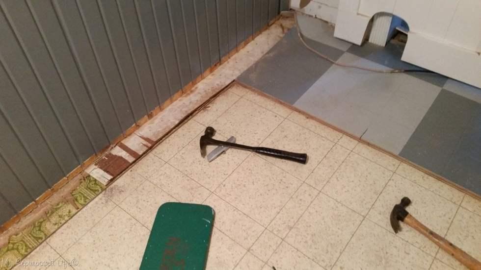 how to remove layers of vinyl flooring