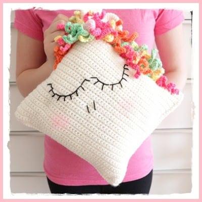 crochet unicorn pillows