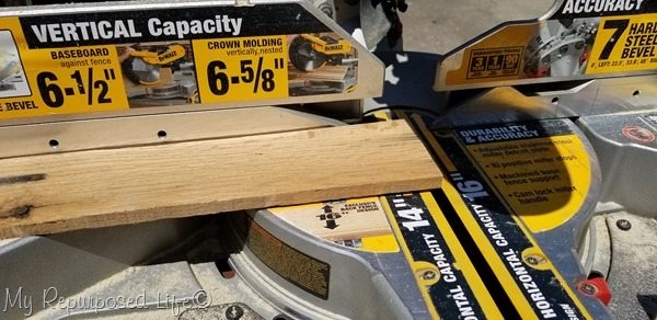 trim pallet boards on miter saw
