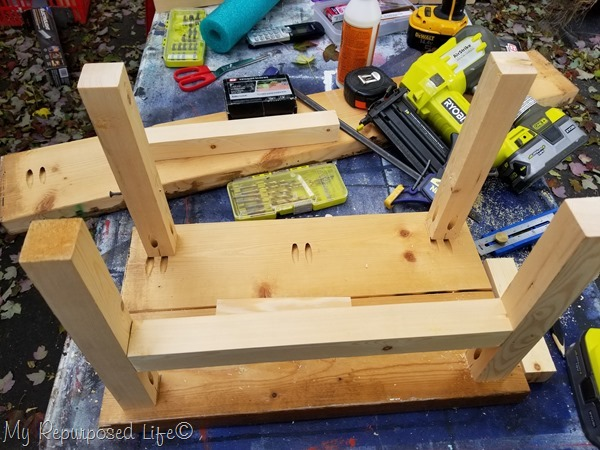 directions to make oversized stepstool