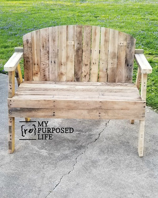 something not quite right on the pallet love seat bench