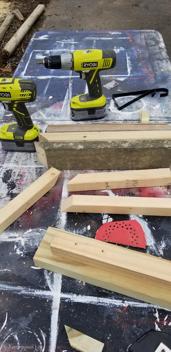 materials for making wooden bracket holders