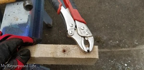 how to remove a stubborn nail from a pallet