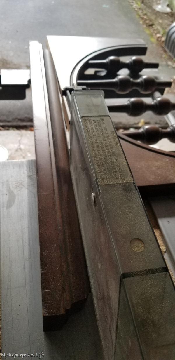 cut molding jewelry shelf top on table saw