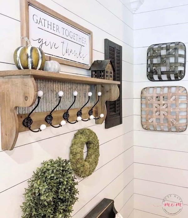 sharpie-shiplap-wall-in-kitchen
