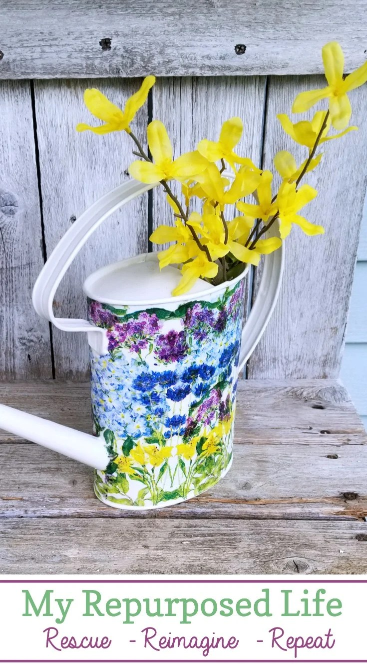 How to decoupage a watering can using pretty floral napkins. This easy craft can be done in just a couple of hours. Do more than one to make a set. Great for displaying cut flowers indoors. #MyRepurposedLife #repurposed #wateringcan #decoupage #craft via @repurposedlife