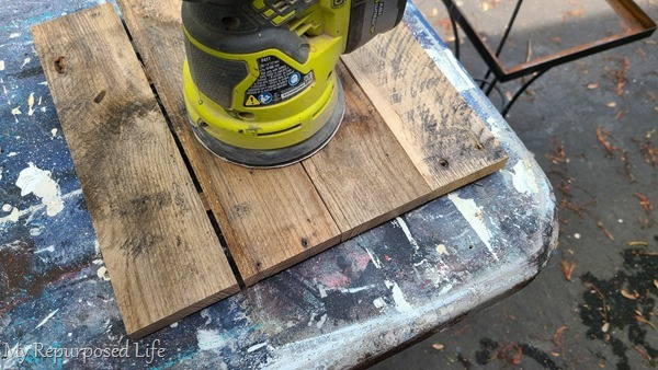 sand pallet boards smooth