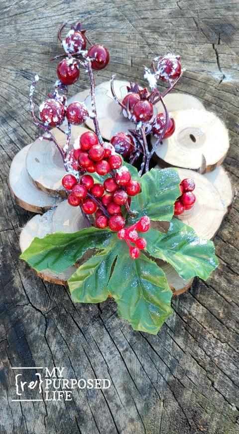 wood slice holiday wreath MyRepurposedLife