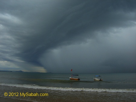 heavy rain at Tanjung Aru Beach