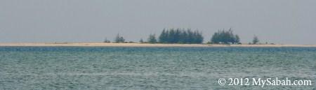 Pulau Kalampunian Besar (Sand Pit Island)
