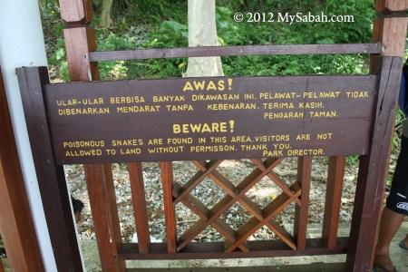 warning sign at Snake Island