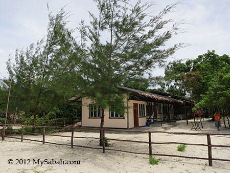 Sayang-Sayang Hostel (Mantanani Besar Island)