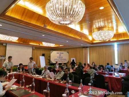group discussion in DaMaI WHS nomination workshop
