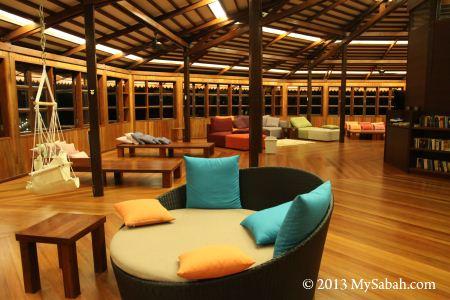 reading area of Lankayan restaurant