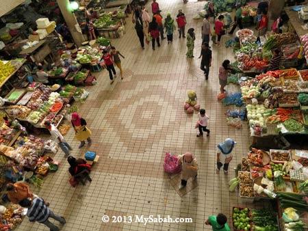 vegetable stalls in ground floor of Pasar Tanjung Tawau
