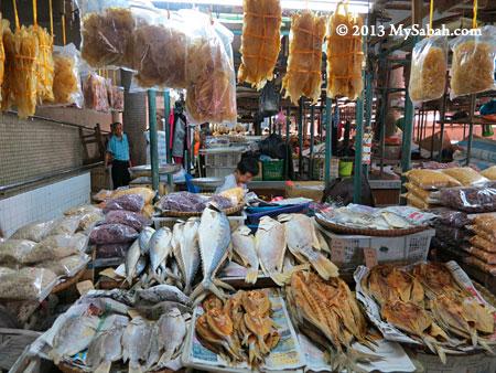 dried seafood in Tawau Tanjung Market