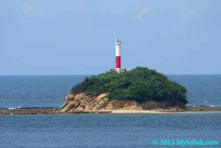 Den Foh Liew, lighthouse on Kalampunian Island