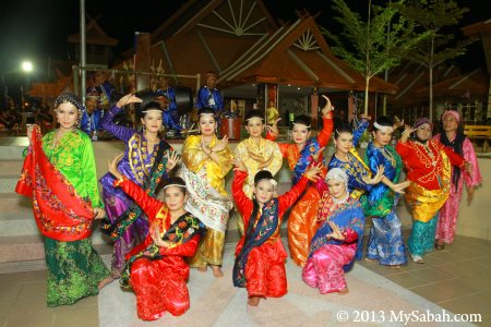 Suluk Sandakan group photo