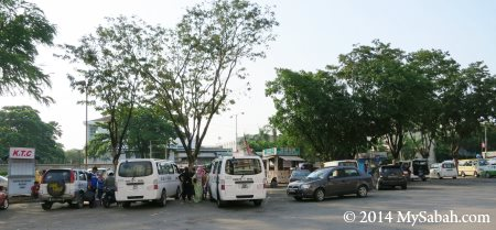 Bus Stop of Padang Merdeka / Merdeka Field