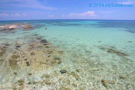 laut di Pantai Bak-Bak