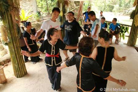dancing Sumazau