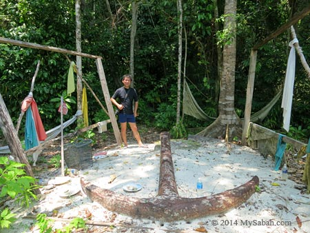 old anchor of Mengalum Island