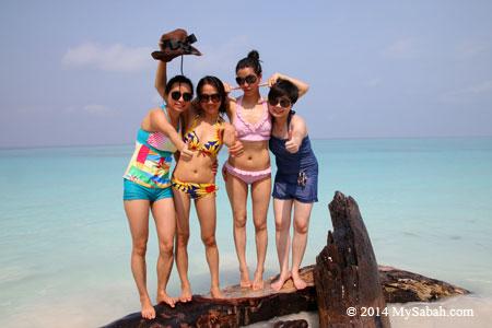 bikini girls at Mengalum Island