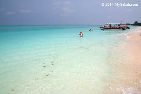 beautiful sea of Mengalum Island