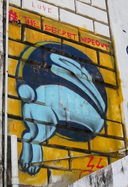 graffiti (rabbit hide out)