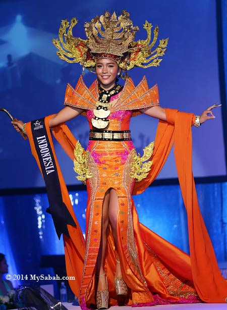 Best National Costume: Miss Scuba Indonesia