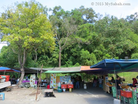 food stalls of Tun Fuad Stephens Park