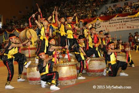 24 Festive Drums (二十四节令鼓)